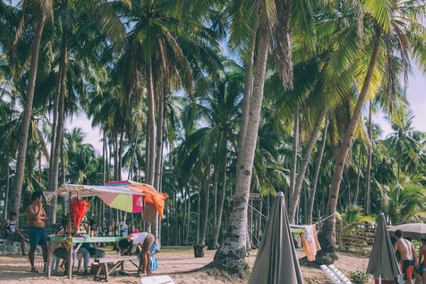 Bạn sẽ cảm nhận ngay được sự hoang sơ, bình dị quanh hòn đảo El Nido này ngay từ khi mới đặt chân đến.