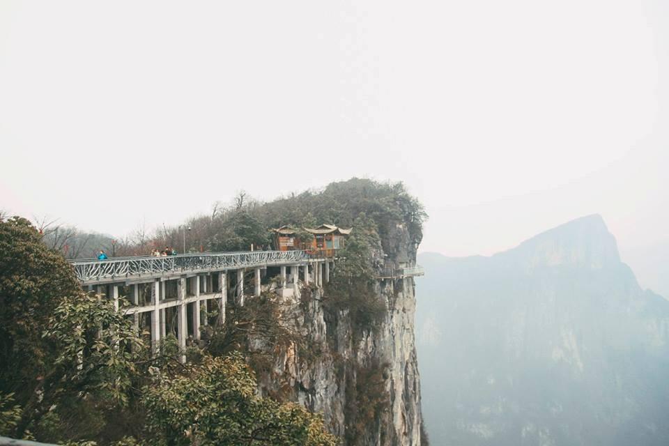 Cạnh Phượng Hoàng cổ trấn là Trương Gia Giới, một địa điểm cùng hấp dẫn không kém