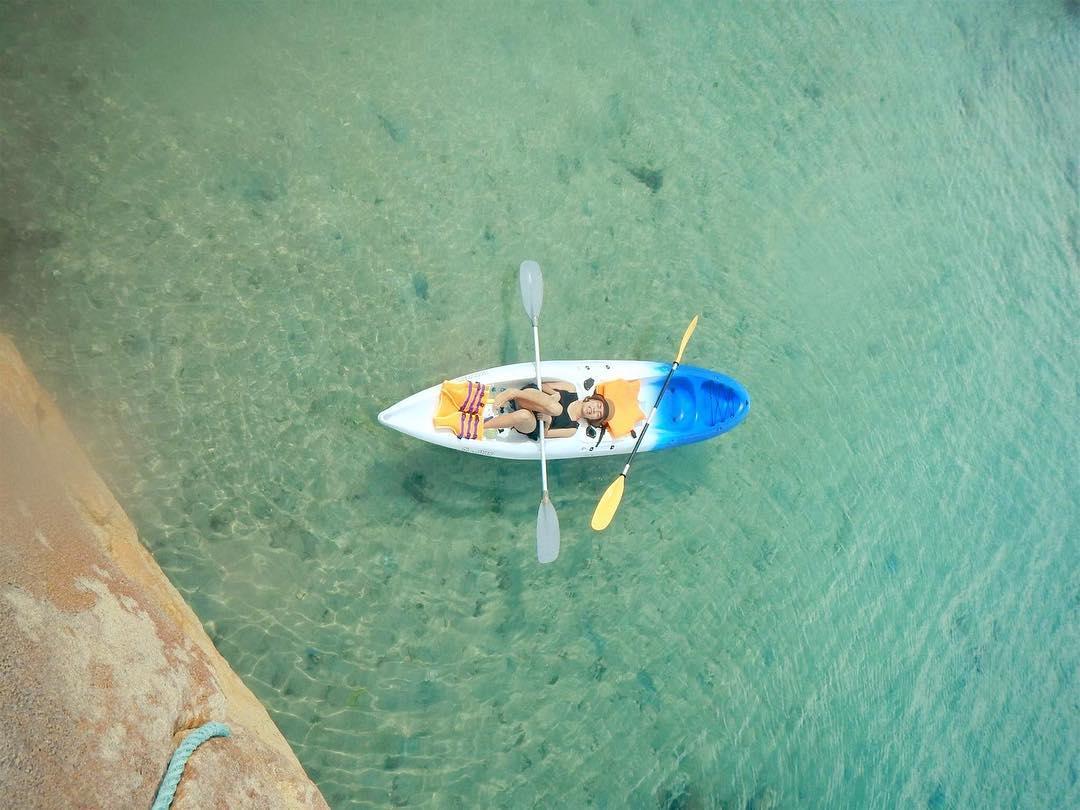 Mặt nước tuyệt nhiên trong xanh - Ảnh: @sakura_vnxk
