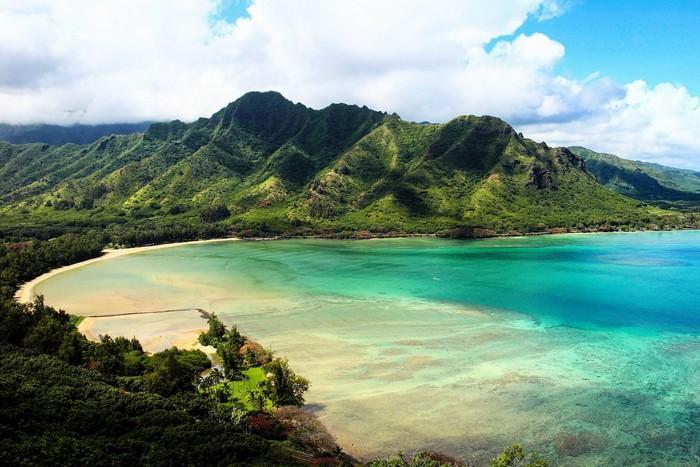 Núi cao, rừng xanh và biển cả bao la màu thiên thanh