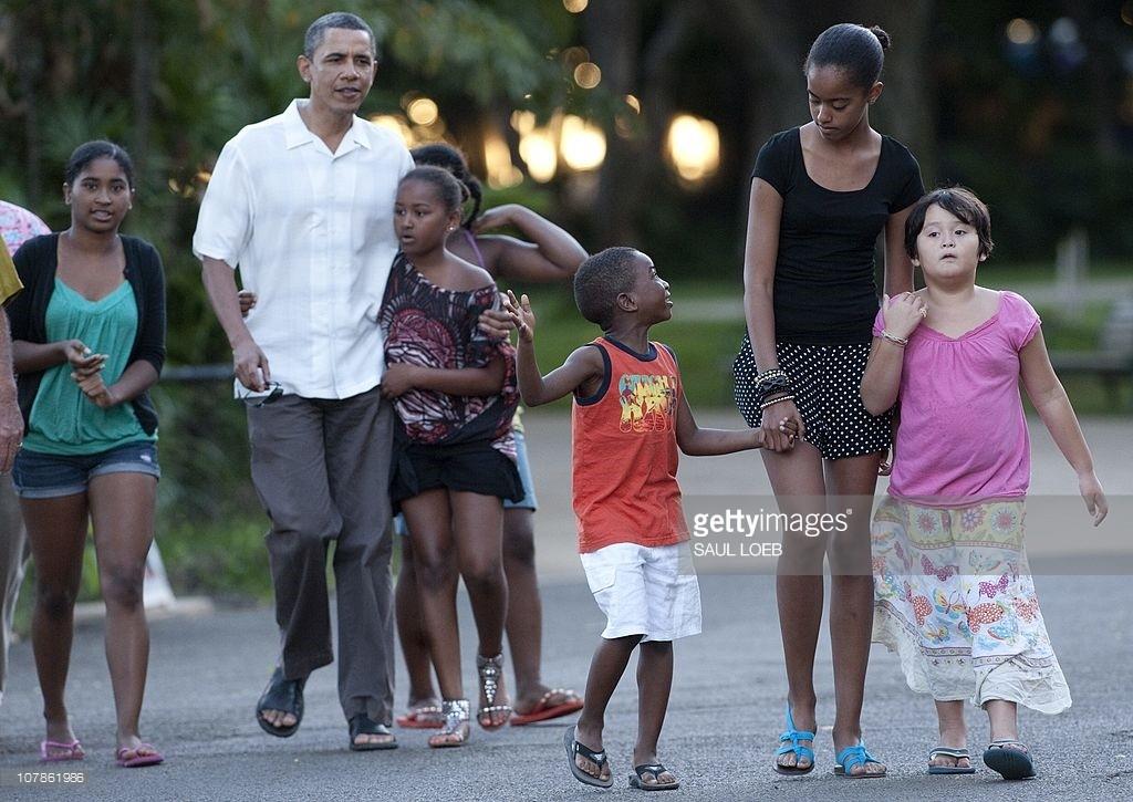 Những giây phút bình yên của ngài tổng thống cùng gia đình ở Hawaii