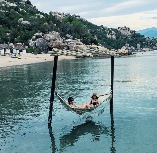 Cần chi đi đâu xa, ở Việt Nam cũng có những vùng biển đẹp không thua gì Maldives! - Ảnh 9.