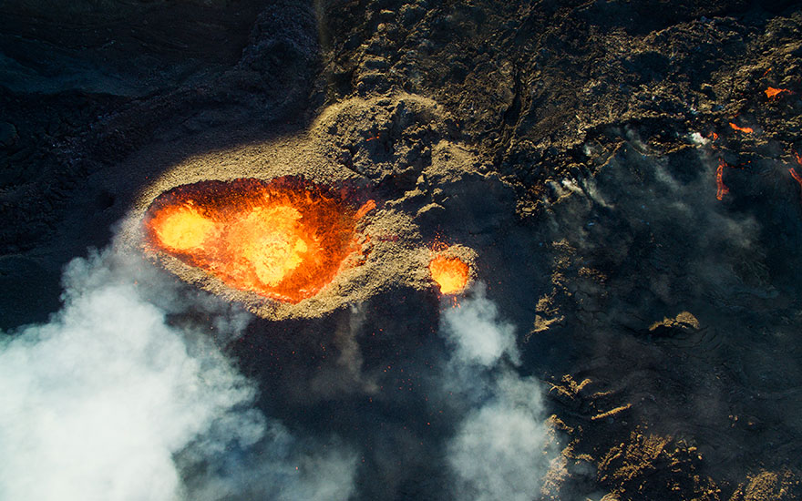 Giải ba hạng mục thiên nhiên hoang dã thuộc về ngọn núi lửa Piton De La Fournaise.