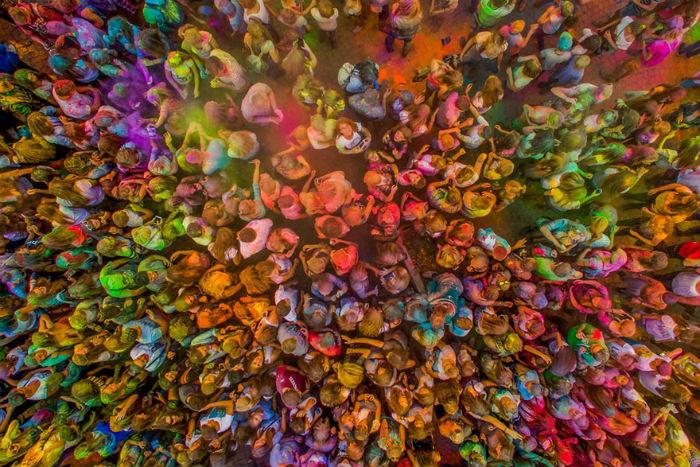 Lễ hội ngập tràn sắc màu tại thị trấn Kutno, Ba Lan.