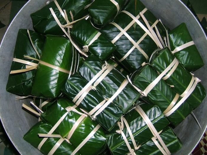 Gói chiếc bánh chưng, gói cả cái tình của xứ Huế