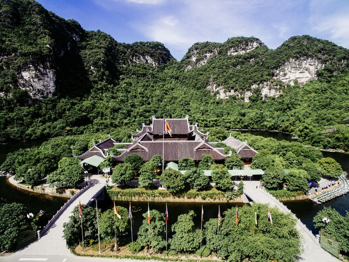 Khung cảnh Ninh Bình chụp từ trên cao