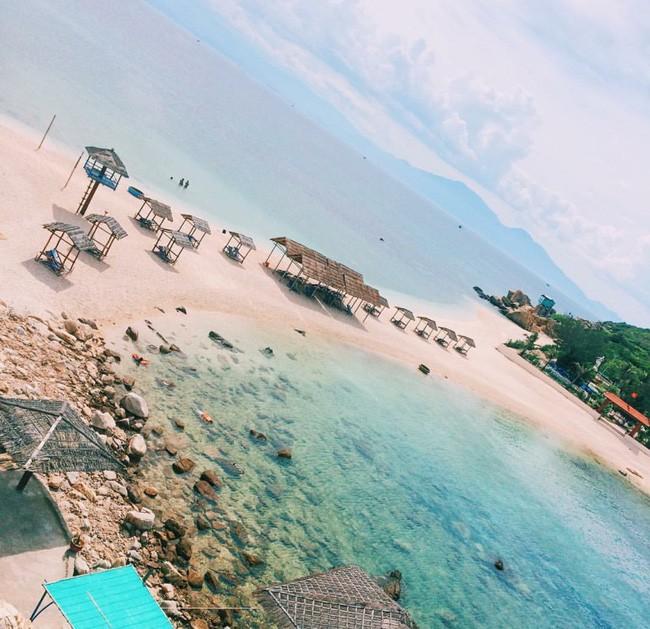 Cần chi đi đâu xa, ở Việt Nam cũng có những vùng biển đẹp không thua gì Maldives! - Ảnh 30.