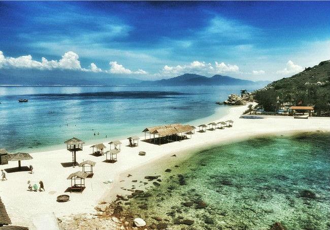 Cần chi đi đâu xa, ở Việt Nam cũng có những vùng biển đẹp không thua gì Maldives! - Ảnh 31.