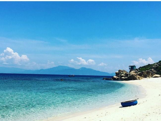 Cần chi đi đâu xa, ở Việt Nam cũng có những vùng biển đẹp không thua gì Maldives! - Ảnh 36.
