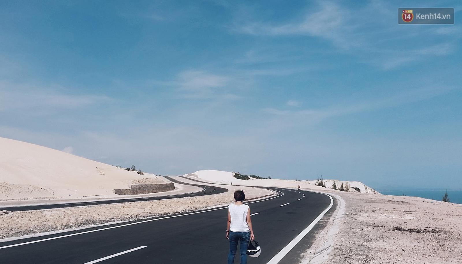 Đường ven biển Bàu Trắng - Phan Rí Cửa