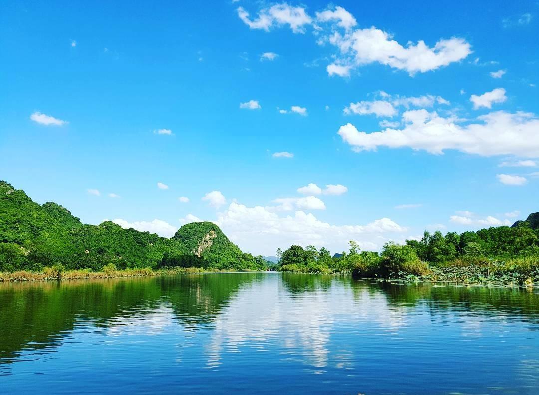 Sông nước hữu tình như suối Yến