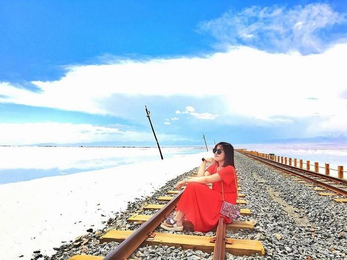 Thưởng ngoạn cảnh đẹp trên con đường sắt