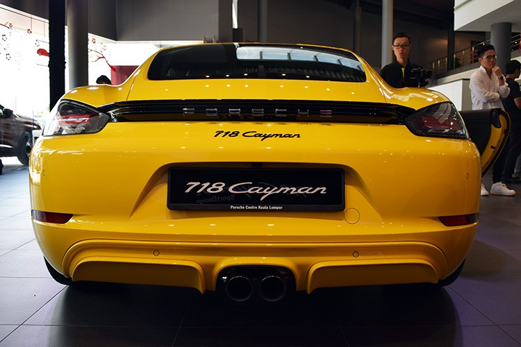 718 Rear Cayman SportDesign Yellow