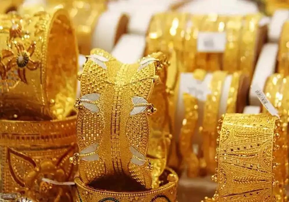 Income Tax: जानिए घर में कितना सोना रखने की इजाजत और कितने पर होगी करवाई, ये कहता है नियम