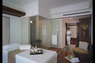 New World Saigon Hotel - Spa Treatment Room