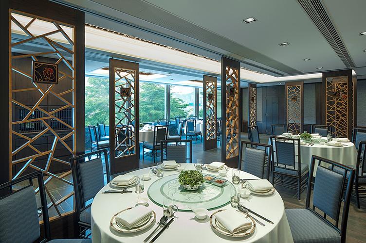 Hotel bar in Hong Kong | New World Millennium Hong Kong Hotel