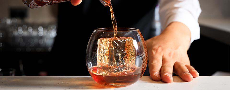 cocktail bar in hong kong