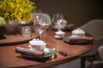 NWSGN - Tasting Room - Round Table Setup