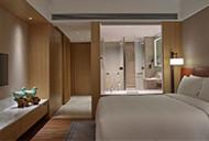 NWLFG_Superior King Room with Bathroom_190
