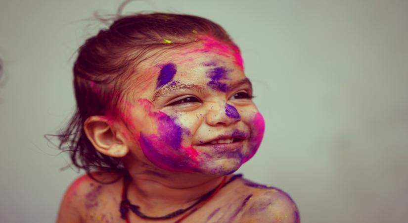 Safety precautions for kids during Holi