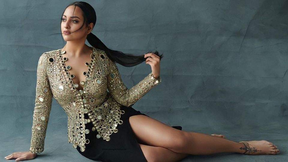 Actress Sonakshi Sinha image