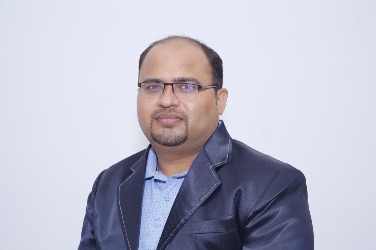 Dr  Vijay Prakash