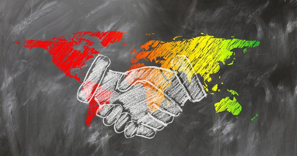 shaking-hands-2499628_1280