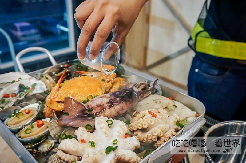 Omaya seafood platter