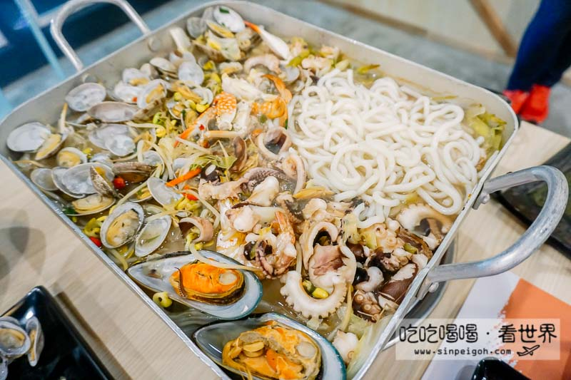 Omaya Giant Seafood Platter