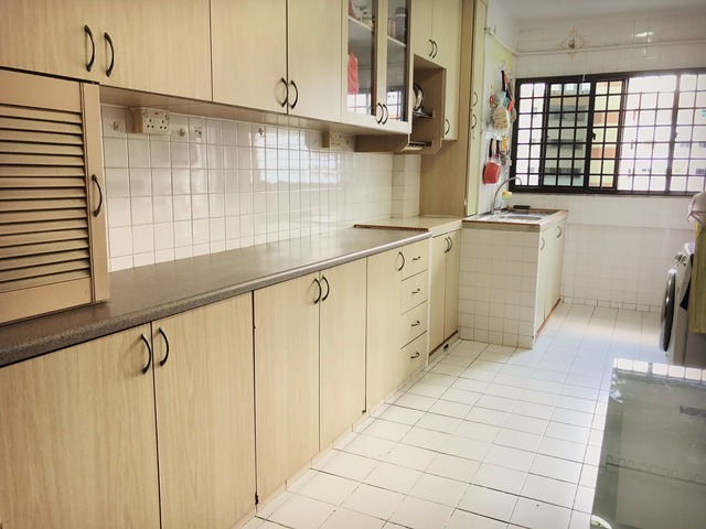 HDB for Sale 128 YISHUN STREET 11