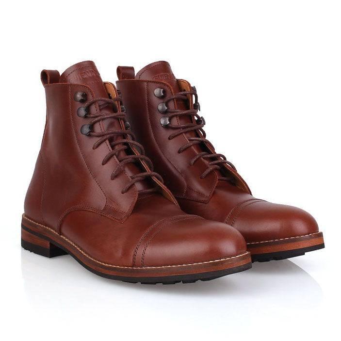 Sepatu / Ganda Captoe Boots