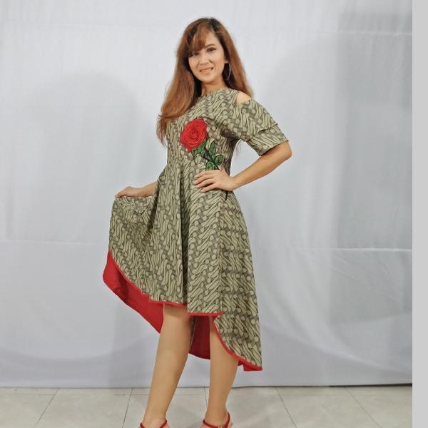 Ratu Ayu Batik, Dress Parang Lawasan1