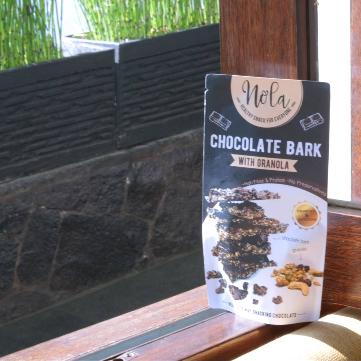 Nola Chocolate Bark With Granola 100 Gr2