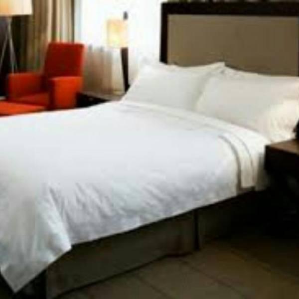 Sprei Hotel Putih 180 X 200 X 30 Katun Jepang