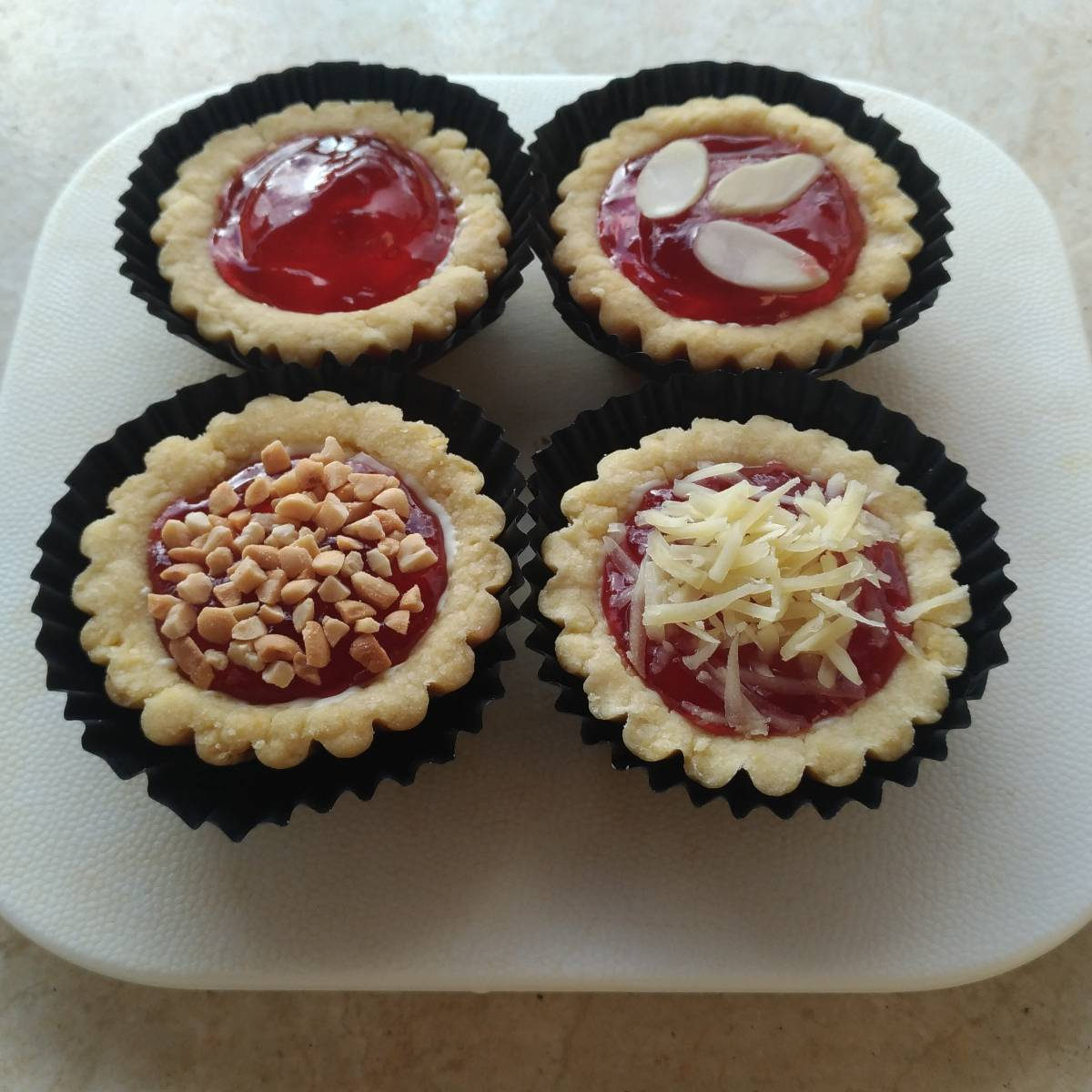 Mini Pie Strawberry Original Crust With Topping(4 Pieces)