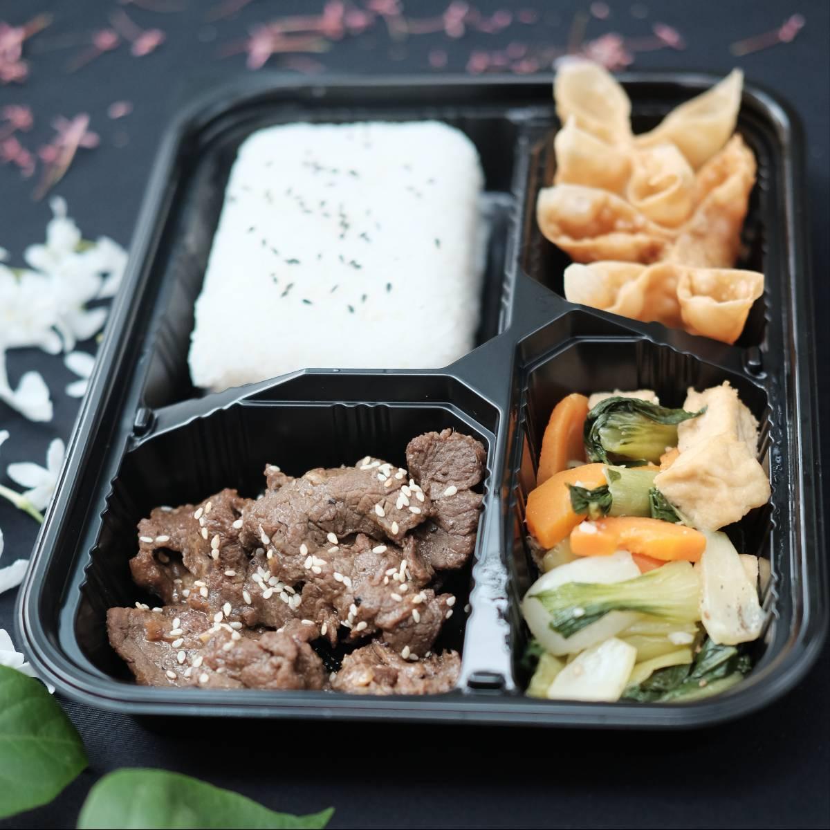 "Paket Lunch Box "" Beef Bulgogi ""1"