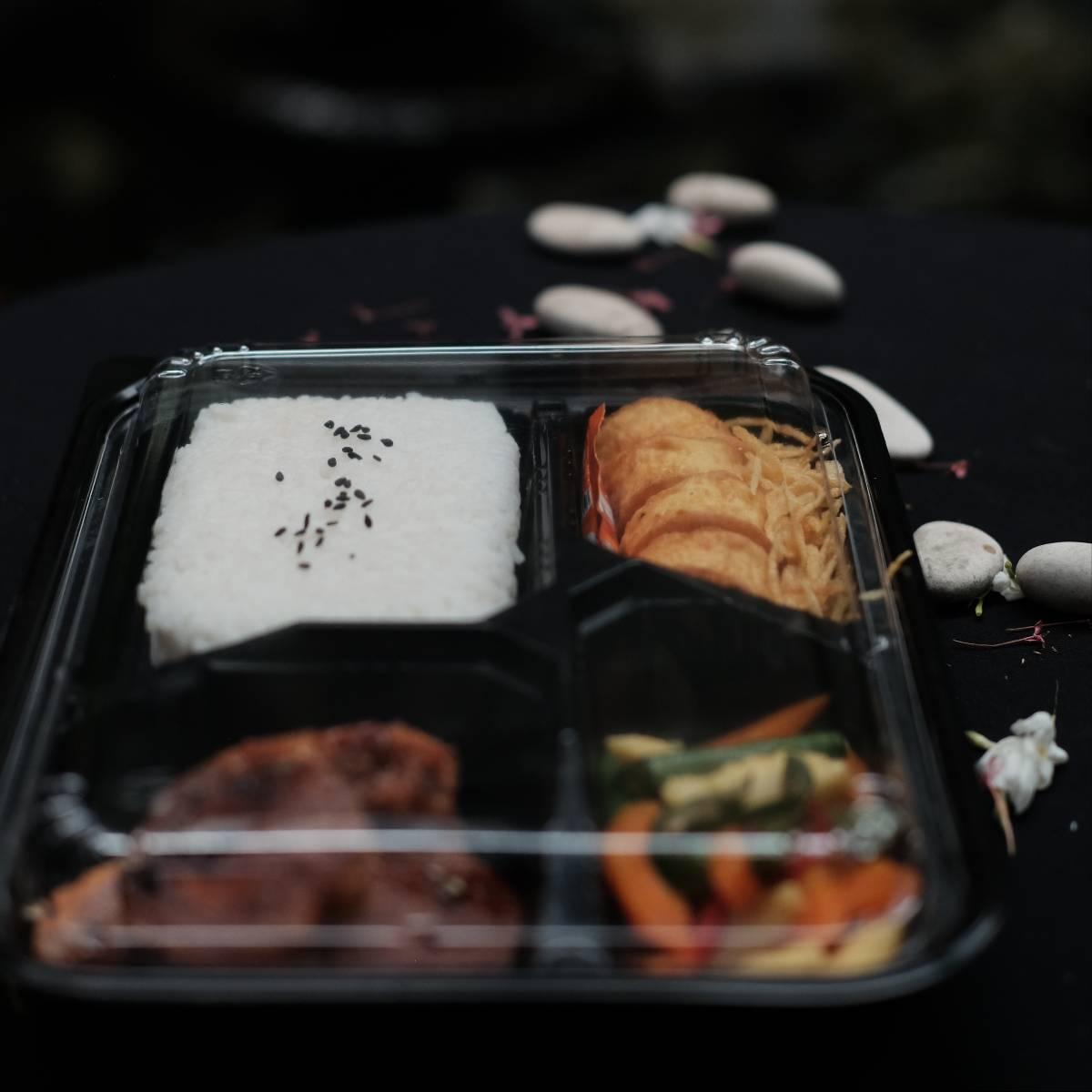 """Paket Lunch Box """" Rolade Sapi Lada Hitam """"2"""