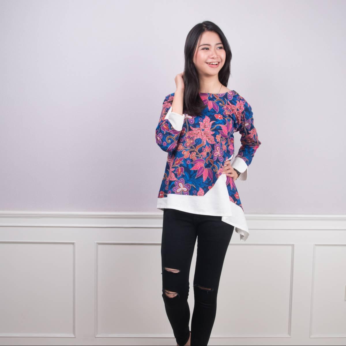 Batik Wanita -Tina Top (Navy)1
