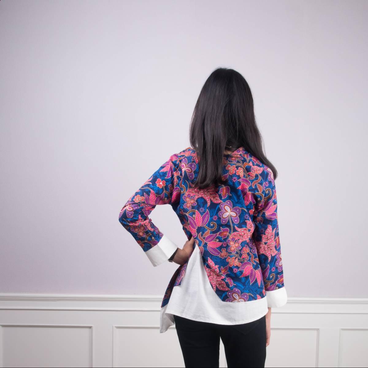 Batik Wanita -Tina Top (Navy)3