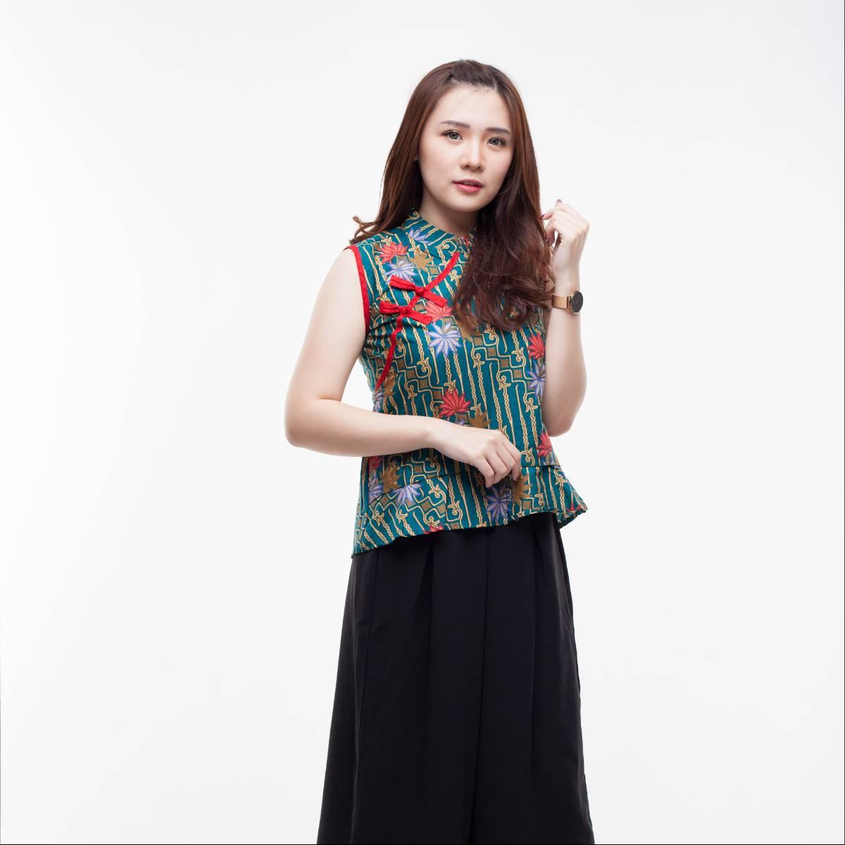 Atasan Batik Wanita Modern-Amel Top (Green)1