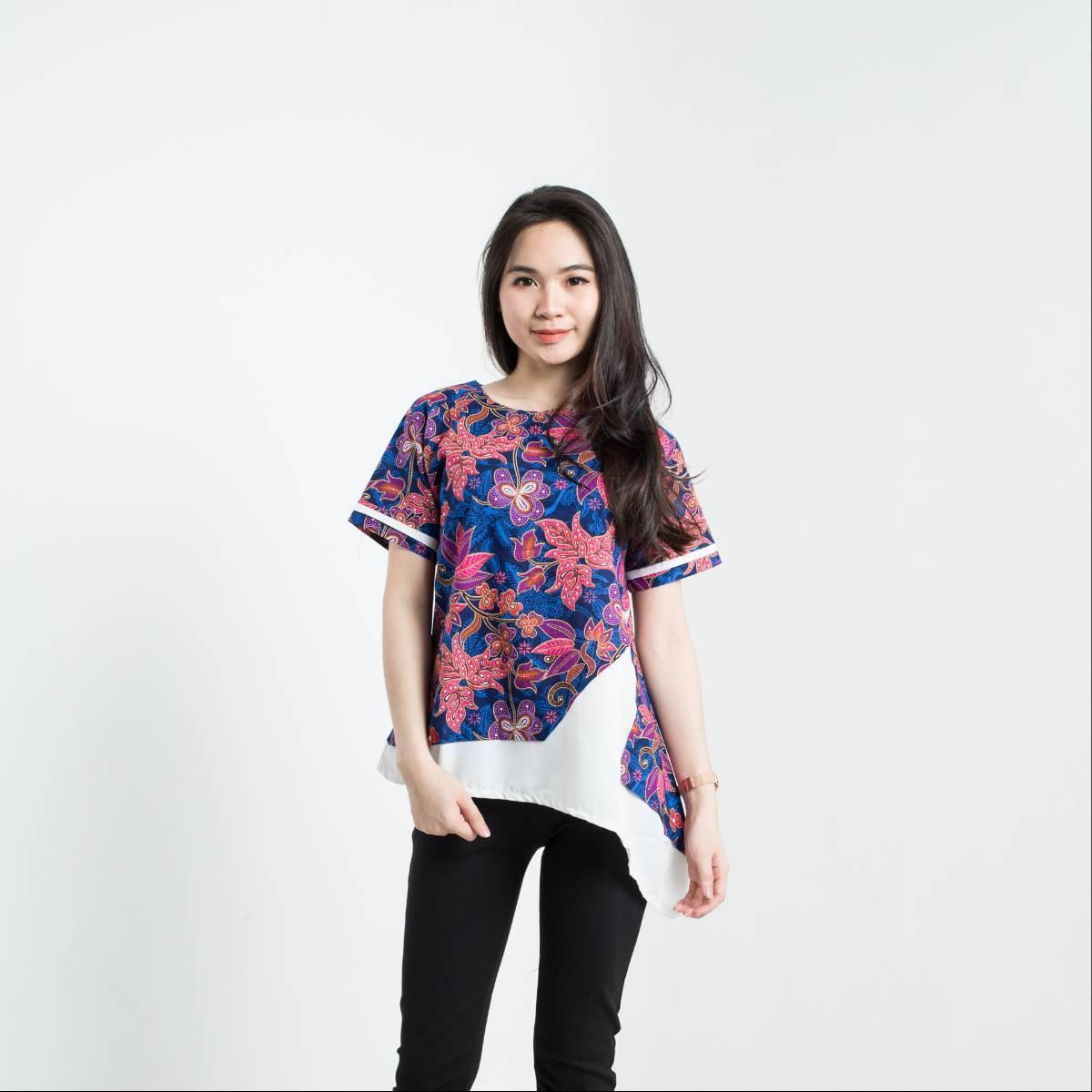 Batik Wanita - Tina Top Pendek