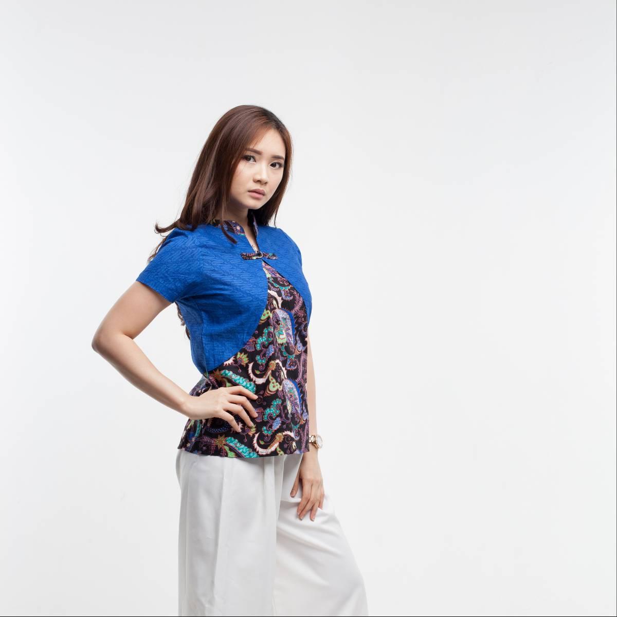 Batik Wanita-Lily Top1