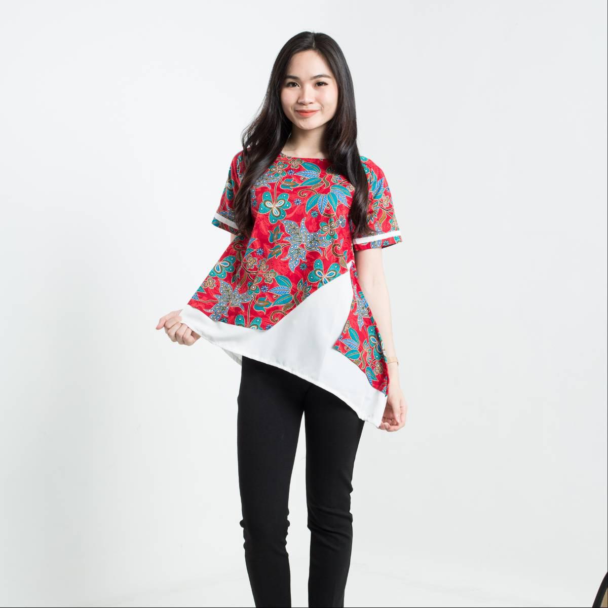 Batik Wanita - Tina Top Pendek1