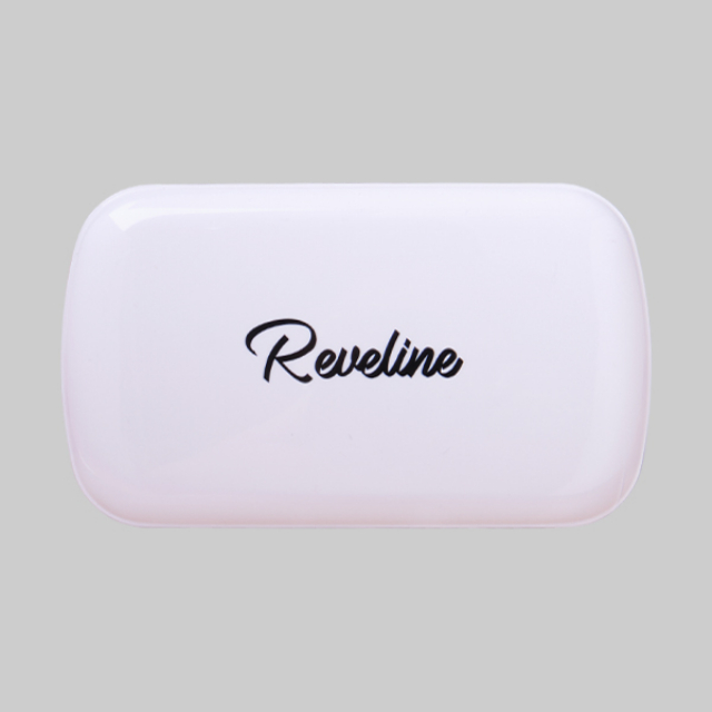 Reveline Brightening Two Way Cake Ivory   REVELINE1