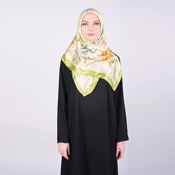 Syal / Jilbab Segi Empat Motif Floral | IEKE