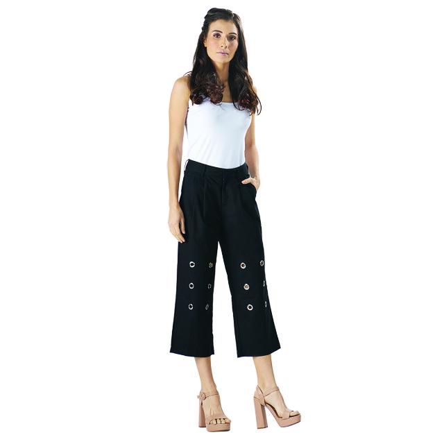 Celana Wanita Trendy Eyelet / Kancing | CARMEL