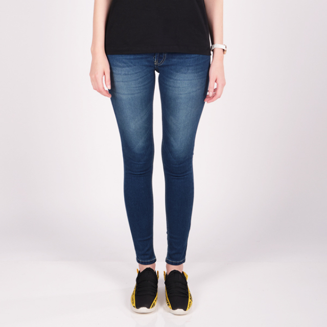 Celana Jeans Wanita Strech Wanita | LA MONTEE0