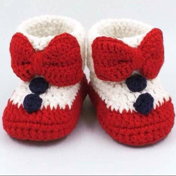 Cute Baby Shoe In Christmas Theme