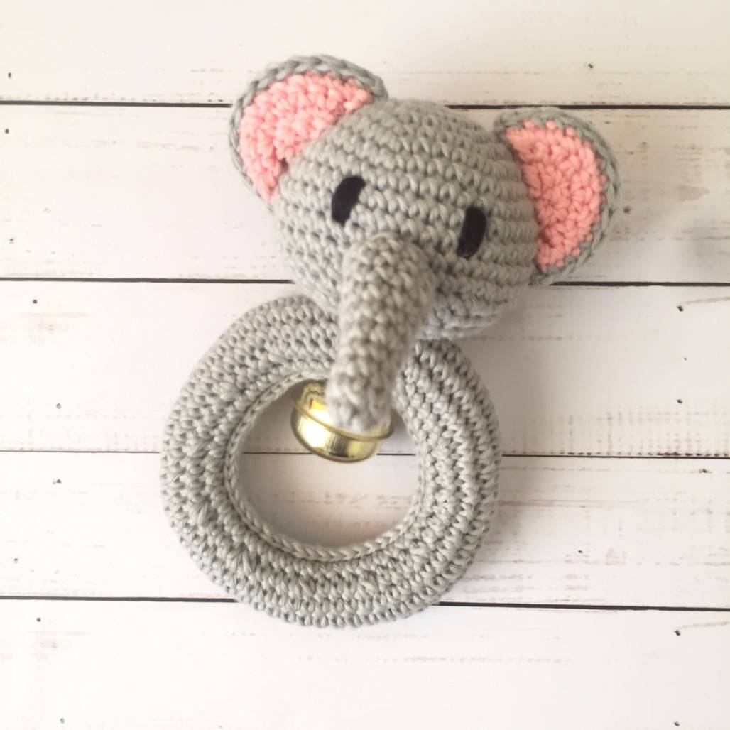 Rattle Rajut Elephant Abu