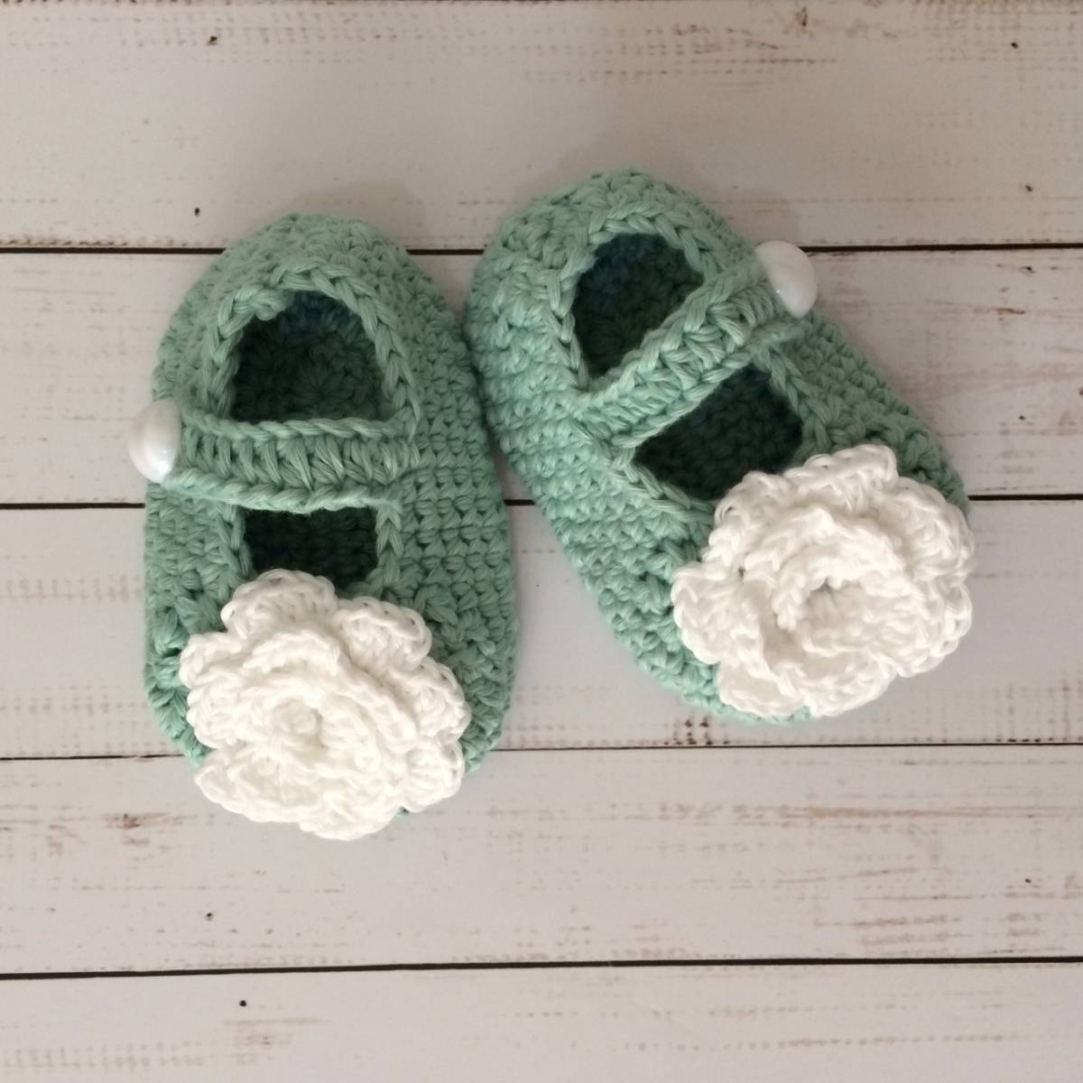 Sepatu Rajut Bunga White0